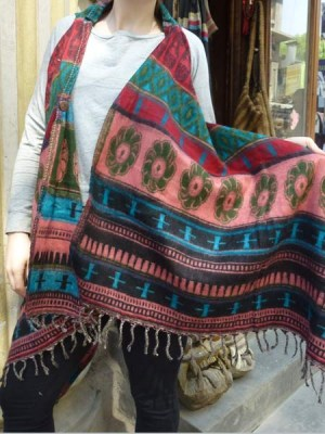 Sleeveless print poncho made in Nepal